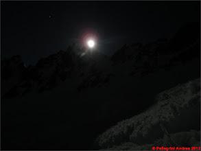 Photo: IMG_2317 la luna prova a nascondersi dietro alle cime