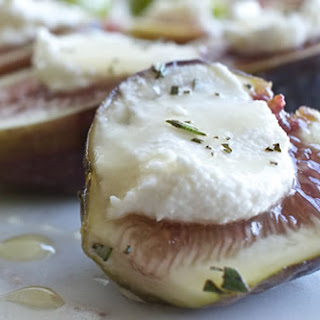 Figs with Macadamia Cheese and Raw Honey.