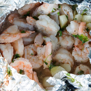 Garlic Butter Shrimp Packet | Campfire Cooking.