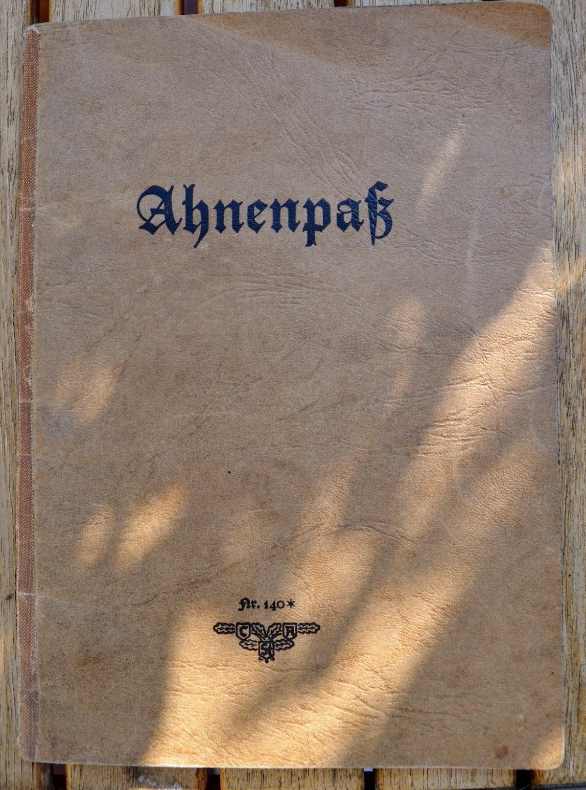 Ahnenpaß des Deutschen Reichs - 1944