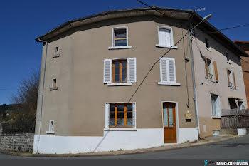 maison à Poule-les-Echarmeaux (69)