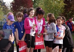 Photo: podium éveil athlé filles 1ère AAC - 2ème COS CHALONNES - 3ème ASEC LA POMMERAYE