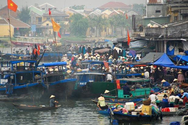 Le marché aux poissons de Hoi An