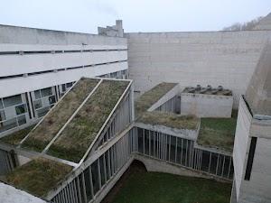 La Tourette - patio