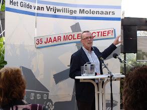 Photo: Welkomstwoord van Pieter Hazelager voorzitter van het gilde voor vrijwillige molenaars afdeling Zeeland