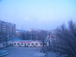Photo: a bright late moon in dawn 2012 among lunar year end's gladness in Chinese, from the dorm window of benzrad 朱子卓, who lingered here temporarily for his new Royal China, esp his 3rd wife, girl Zhou, since his web quest after her departure when she took her university experiment here back to 2008.