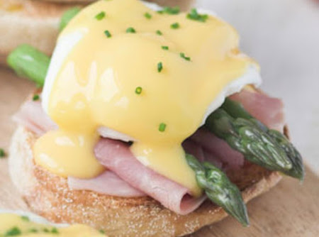 Super Simple Hollandaise Recipe