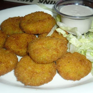 Perfect Crunchy Deep Fried Pickles.
