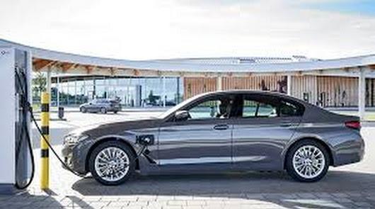 Automotor Costa recibe la variante híbrida enchufable del BMW 520e