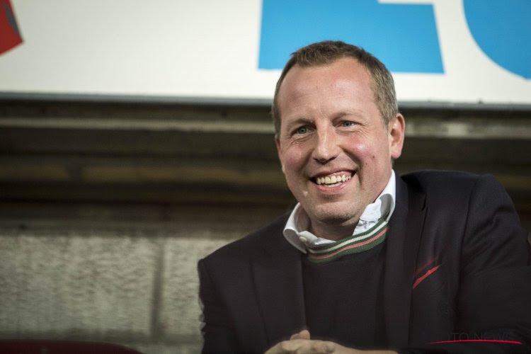 🎥 Mooi: Standard-voorzitter loopt 20 km door Brussel voor het goede doel
