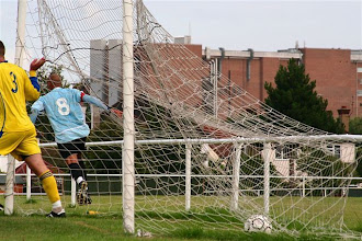 Photo: 22/08/09 v Southall (MCLP) 3-3 - contributed by Paul Roth