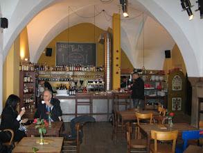 Photo: Bis die Läden wieder öffnen: Exil Lounge & Cafe.
