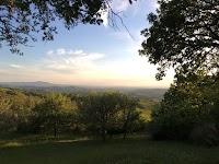 De wilde tuin van het natuurhuis Podere Santa Pia, in een van de mooiste valleien van zuidelijk Toscane