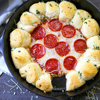 Garlic Bread Pizza Dip.