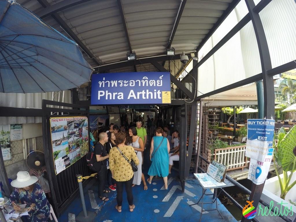 Parada Ferry Phra Arthit