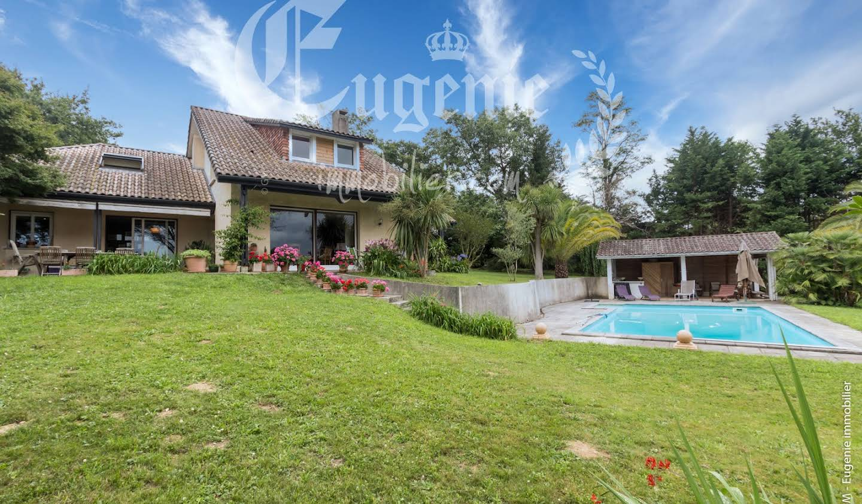 Villa avec piscine et jardin Salies-de-bearn