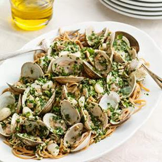Spaghetti with Garlic & Clam Sauce