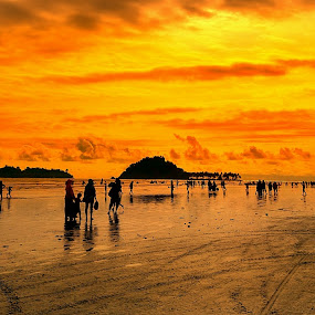 Sunset by Evan Septian - Landscapes Sunsets & Sunrises ( #padang #evan #xiaomi #indonesia )