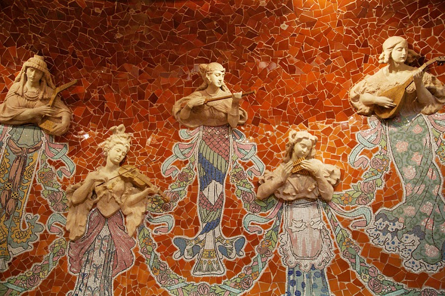 Estas son las musas que susurran inspiración para los músicos que presentan en el Palau de la Música Catalana, donde van más de 185 mil espectadores al año.