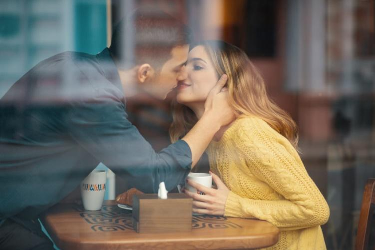 Woman dating is dating and a relationship the same thing