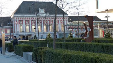 """Photo: Platz der Deutschen Einheitz; Skulptur Helmut Berger """"Silhouetten"""""""
