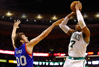 Photo: BOSTON, MA - DECEMBER 8: Jared Sullinger #7 of the Boston Celtics takes a shot over Spencer Hawes #00 of the Philadelphia 76ers during the game on December 8, 2012 at TD Garden in Boston, Massachusetts. NOTE TO USER: User expressly acknowledges and agrees that, by downloading and or using this photograph, User is consenting to the terms and conditions of the Getty Images License Agreement. (Photo by Jared Wickerham/Getty Images)