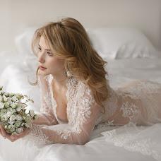 Wedding photographer Vadim Zakharischev (yourmoments). Photo of 05.02.2014