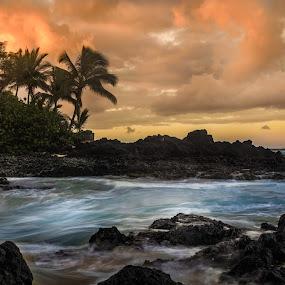 Sunrise at Makena Bay by Andy Snider - Landscapes Beaches ( maui, sunrises, seascapes, ocean, sunrise, seascape, hawaii )