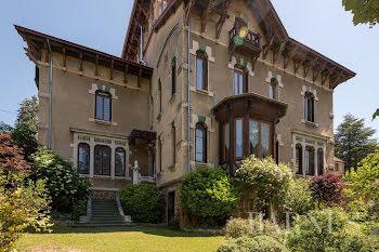 hôtel particulier à Bourg-de-Thizy (69)