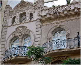 Photo: Casa Ortega. Gran Via Marques del Túria . Valencia http://www.viajesenfamilia.it/