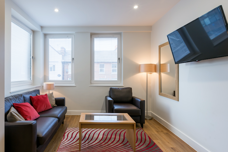 living space at 100 Kings Road