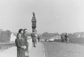 Photo: Maridl, Tante Hilde, Onkel Toni, als sie mich in Eichstätt besuchten (~63)