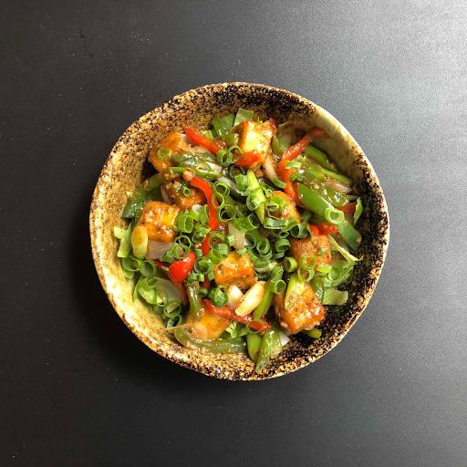 Chilli Paneer Salad (v)