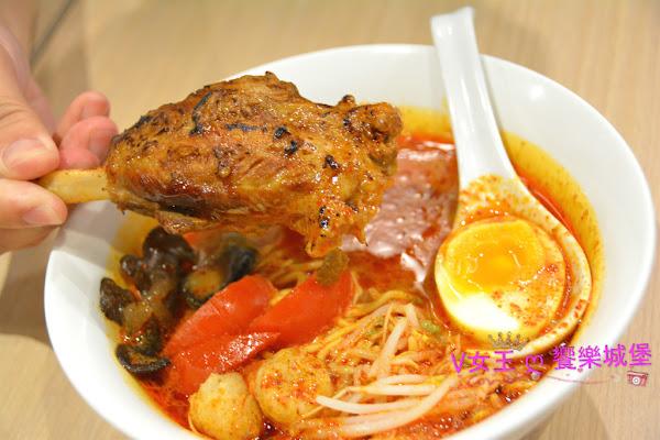板橋/泰式料理 日泰混搭好滋味 泰拉風 泰式拉麵 ~ 日式拉麵的Q彈,濃郁的泰國風味,雙重口感,讓你一次滿足 !!!(文末有好康)
