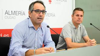 Juanjo Segura y Emilio Martínez presentando la prueba.