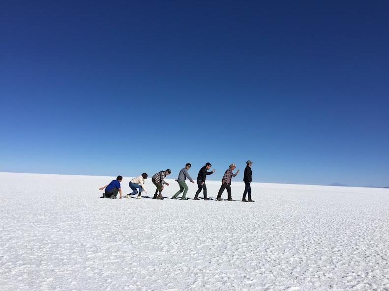 ウユニで日本人に有名な穂高ツアーでウユニ塩湖ツアー トリックアート