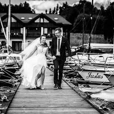 Wedding photographer Laurynas Martinkus (Laurynas). Photo of 20.11.2018