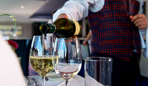 Avalon-Illumination-wine - Complimentary regional wines, beer and soft drinks are served with your dinner on Avalon Illumination.