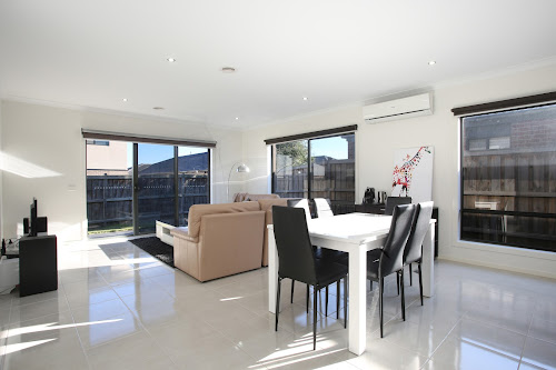 Photo of property at 16 Alice Mary Road, Cranbourne West 3977