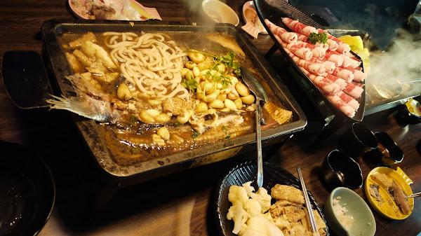 水貨烤魚火鍋 麻辣魚鍋.不辣版推薦黃金蒜鬆豆花烤魚、鳳梨烤魚