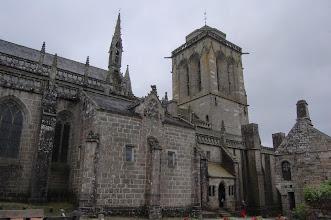 Photo: BRETANYA 2013. LOCRONAN. Vista posterior de l'església de St Ronan