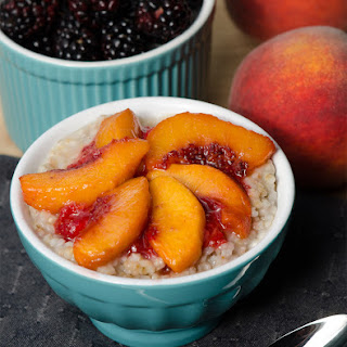 Overnight Steel-Cut Oatmeal with Roasted Peaches and Strawberries