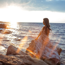 Wedding photographer Valeriya Vartanova (vArt). Photo of 05.09.2017