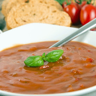 1-Day Cleanse Tomato and Basil Vegan Soup.