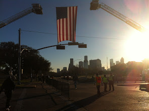 Photo: Montrose and Allen Parkway..waiting for the runners