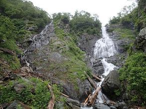 Photo: F3(四段39m大滝)一番左三ノ滝より登攀