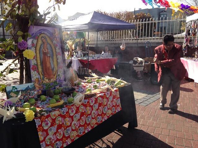 Ofrenda de Comidas en el Día de Todos Los Santos