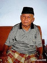Photo: Hasan Basri Pasolong [1923 - Maret 2016], Lo'mo Sampulungan. Salah satu saksi pada saat pendaratan Pasukan Jepang dari Angkatan Laut  (Kaigun) di Sampulungan, pada tanggal 8-9 Pebruari 1942. http://nurkasim49.blogspot.jp/2011/12/iv.html