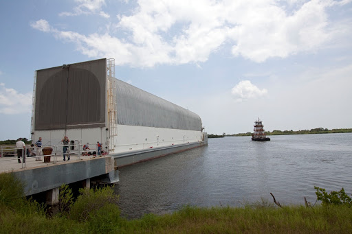 STS-134 ARRIVAL AT LC39 TURN BASIN.