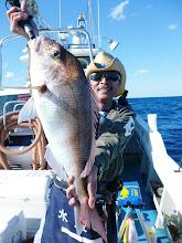 Photo: やりましたー! 真鯛! 3kg近いサイズです。